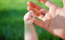 kind en ouder hand